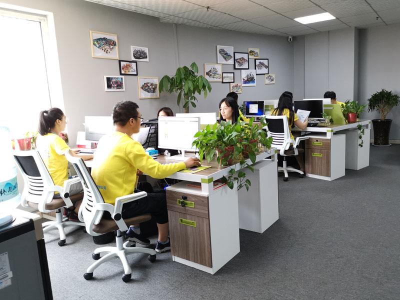公司11.jpg 办公室实景 企业实景