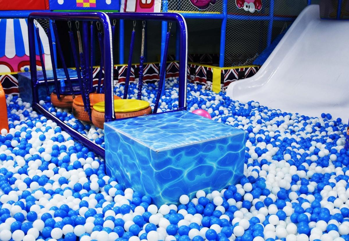 390ea73862c54a02a1103e7f99450824.jpeg 定西儿童乐园滑滑梯多少钱 加盟资讯 游乐设备第3张